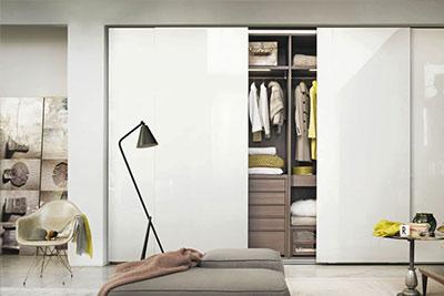 小户型的卧室,衣柜应如何选择?